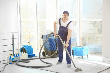 Remove Dirt Using Carpet Cleaning Machine